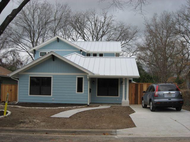 Solluna builders 2014 Austin front of house